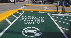 На електричните автомобили брзо им паѓа цената