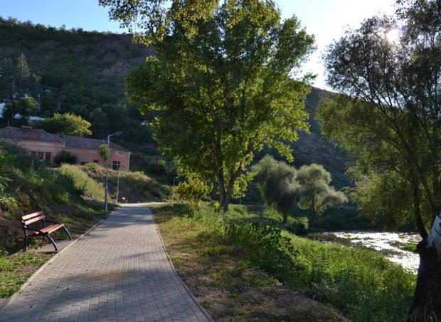 1.Шеталиште зад Исарот-патека 3