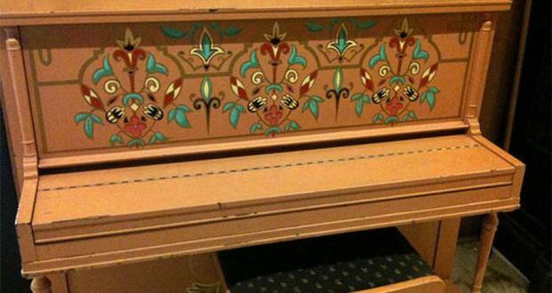 """Пијаното од """"Казабланка"""" на аукција продадено за 3,41 милион долари"""