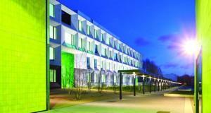 Лондонското училиште Брнтвуд – добитник на Стирлинговата награда за 2015