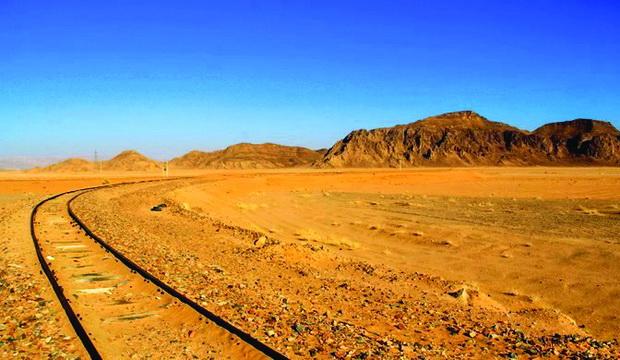 Дел од железницата во пустината