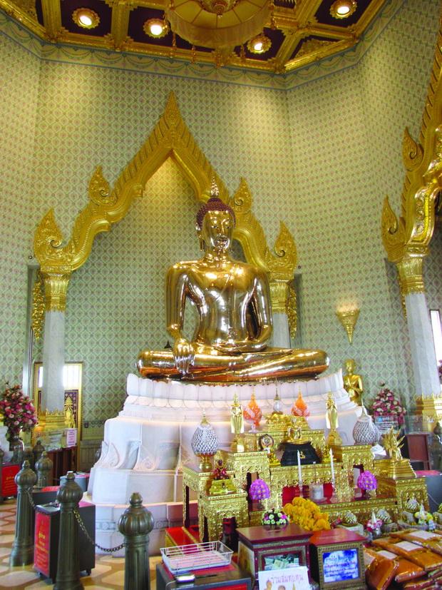 Hramot na Zlatniot Buda - Wat Trai Mit1