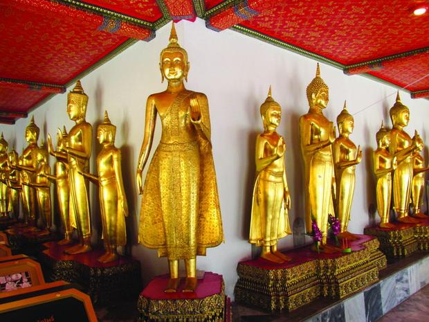 Statui na Buda vo Hramot Wat Arun