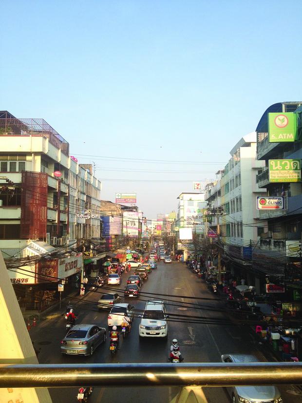 Ulica i elektricni kabli