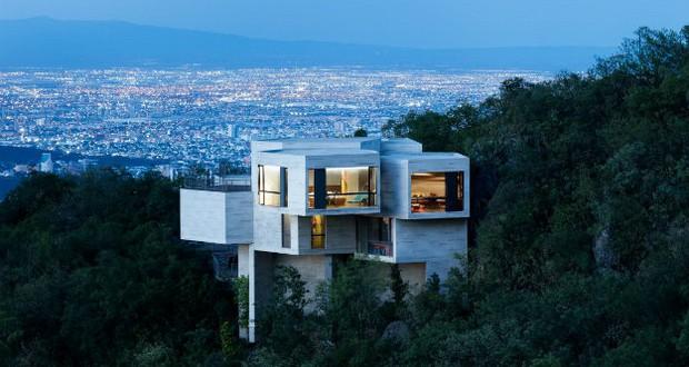 """Фантастичен проект на куќа што """"расте од шума"""""""