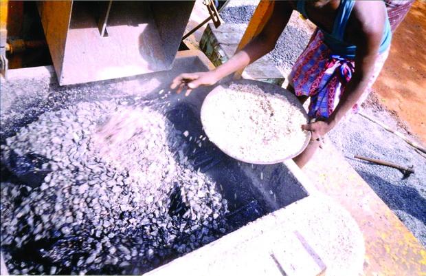 05 Додавање на пластика на камениот агрегат