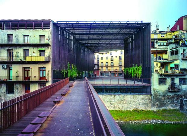 la-lira-theater-public-open-space-rcr-arquitectes-hisao-suzuki-03