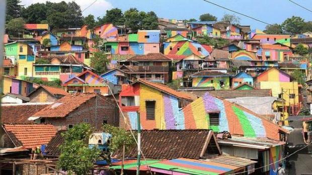 hipwee-rainbow-village-kampung-pelangi-indonesia-14-640x359