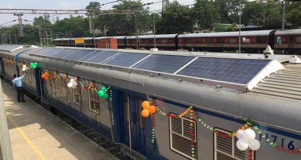 Воз на соларен погон: Индиската железница штеди и ја чува животната средина