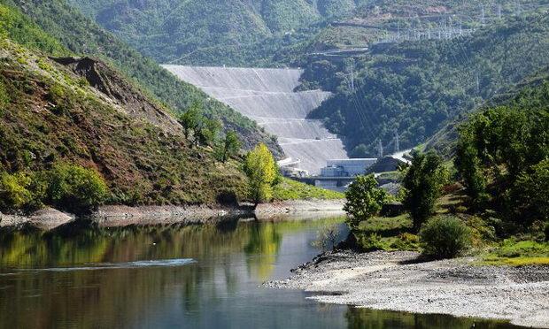 Hidrocentrala Fierza alb.