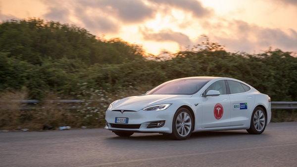 Tesla rekord1