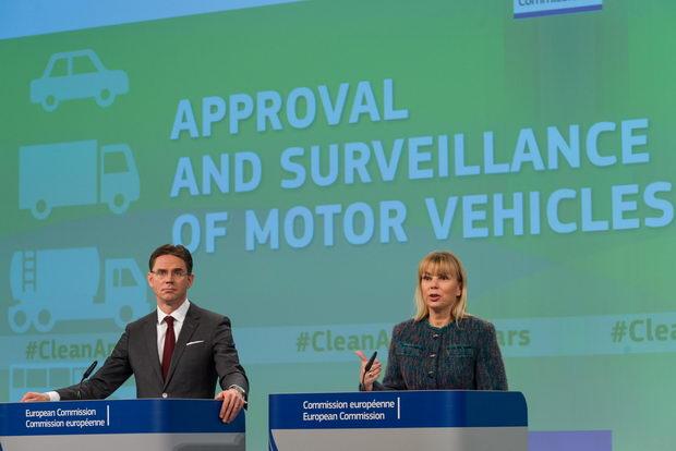 Press conference by Jyrki Katainen & Elżbieta Bieńkowska : EU  type-approval framework of motor vehicles