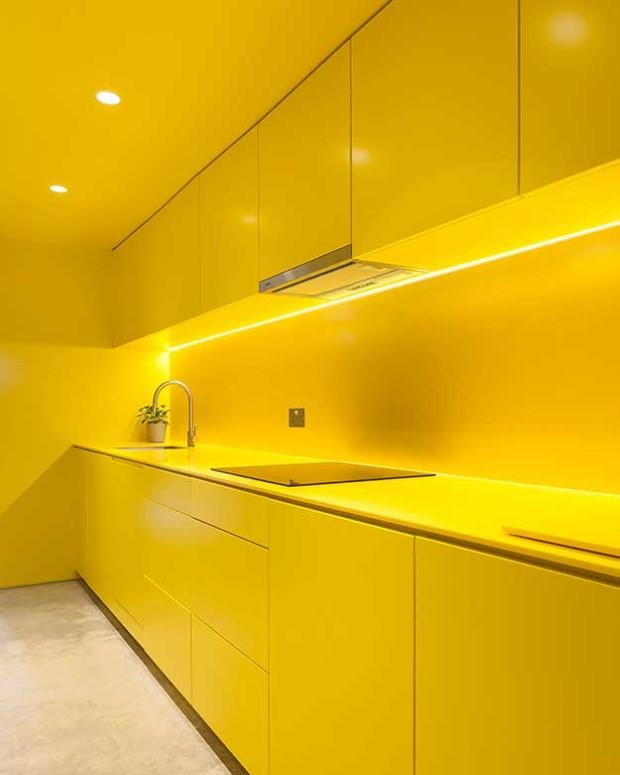 жолта кујна (2)