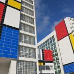 """Фасада на зграда во Хаг, како """"најголемиот Мондријан во светот"""""""
