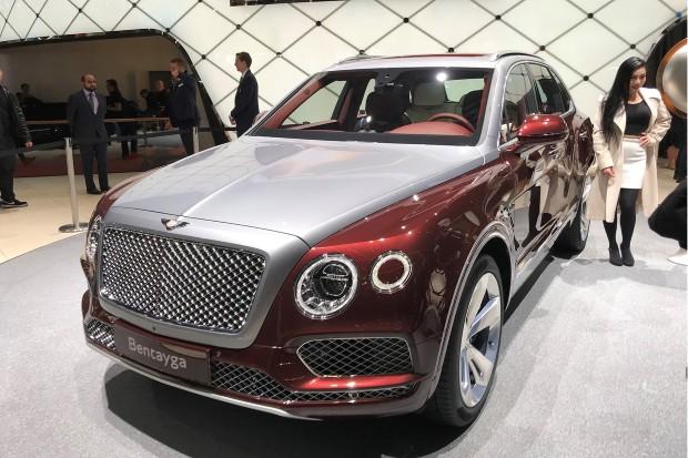 2018-Jaguar-E-Pace-interior