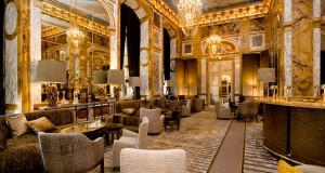 Култен хотел во Париз повторно ги отвори вратите