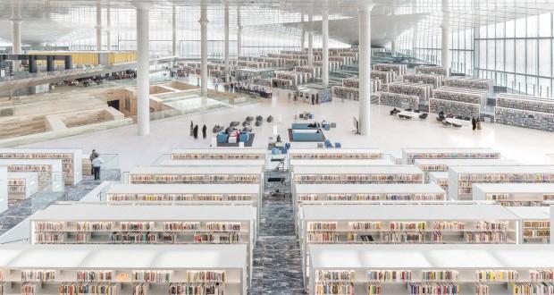 Мермерни полици во новата Катарска национална библиотека