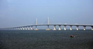 Наскоро импресивниот градежен подвиг, мостот HKZM во Кина