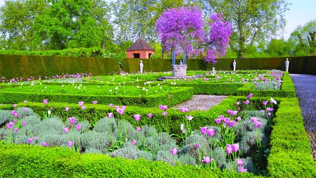 queens garden_resize