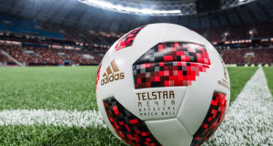 Топката Tелстар Mечта со која се играше во нокаут фазите на Светското првенство