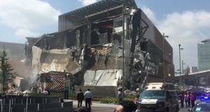 Се урна дел од зграда на познат мексикански архитект