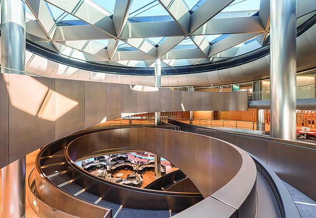 Bloomberg_LDN_10_Interior_Ramp