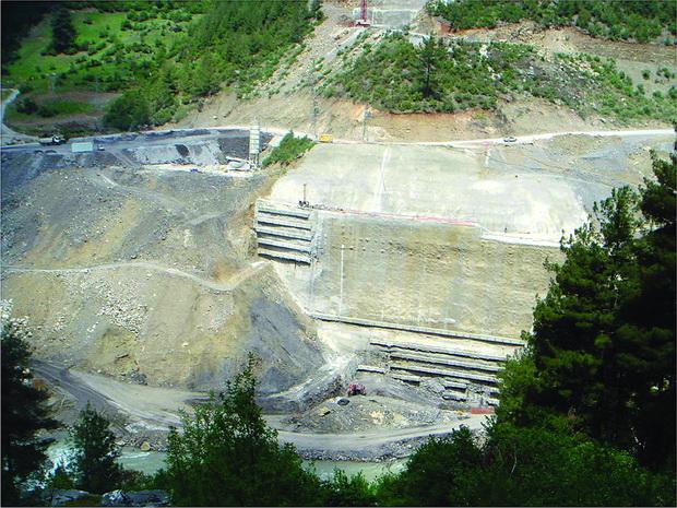 25 Zaštita na iskop so počveni ankeri vo neposredna blizina na rased (HEC Feke I)