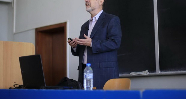Професор Крибус одржа предавање за соларна енергија пред студентите на ФЕИТ
