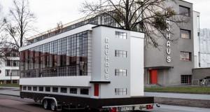 Автобусот Баухаус тргнува на светска турнеа
