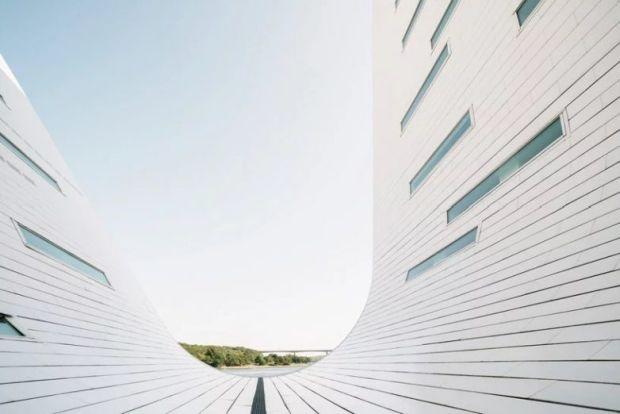 henning-larsen-architects-the-wave-apartment-completion-denmark-designboom-8-782x522