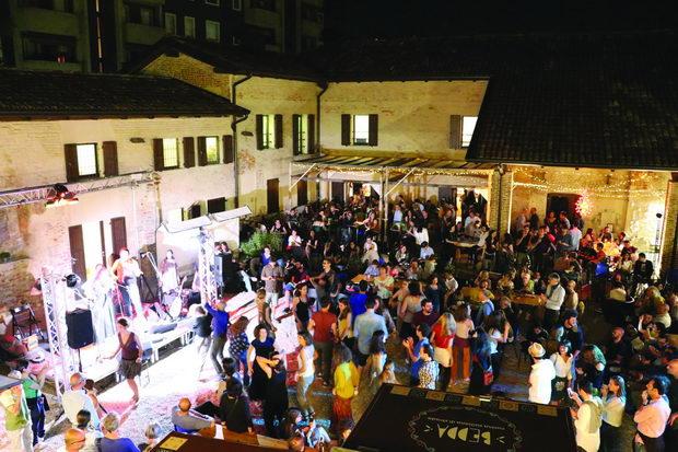 7.MARE CULTURALE URBANO.FESTIVAL DELLE BIRRETTE