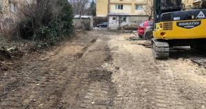 Реконструкција на паркинзи и пристапни улици во Мичурин