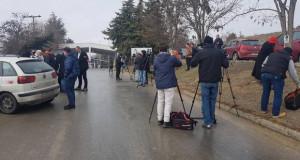 Еко активисти блокираа пред Дрисла