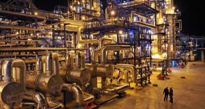 Рафинериите се подготвуваат за историска замена на горивата
