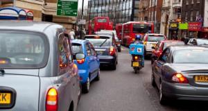 Лондон воведе дневна еко-такса за возилата