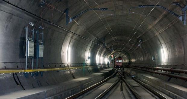 Топ 9 најдолги тунели во светот