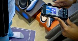 Позната компанија направи апликација која ги снима стопалата и препорачува соодветни патики