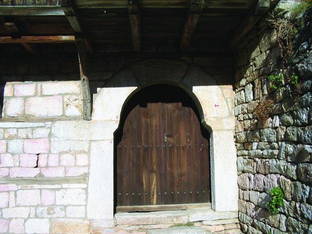 vrata od kukjata na tomovci 1