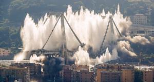 Срушени преостанатите делови од мостот во Џенова (видео)