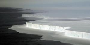 Парче мраз од Антарктикот ќе се пренесува во Јужна Африка или Австралија