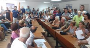 """""""Трнодол не го даваме"""" скандираа жителите на Карпош"""