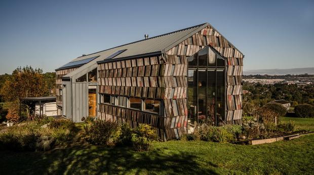 Вака изгледа рециклирана куќа во Чиле