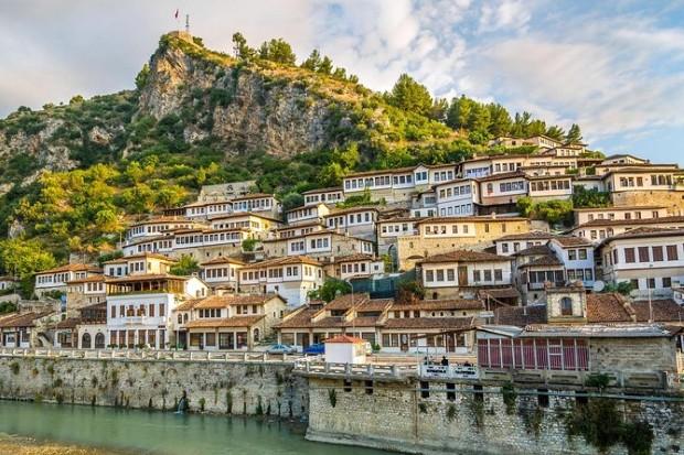 Албанија: Конференција за енергетска транзиција во Драч