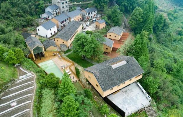 Еколошко одморалиште со ѕидови од набиена земја