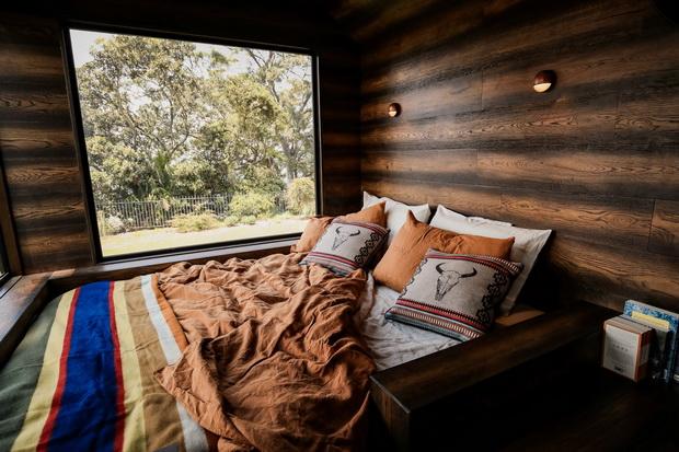 Matthew McConaughey Wilderness Cabin - INTERIOR & EXTERIOR SHOTS
