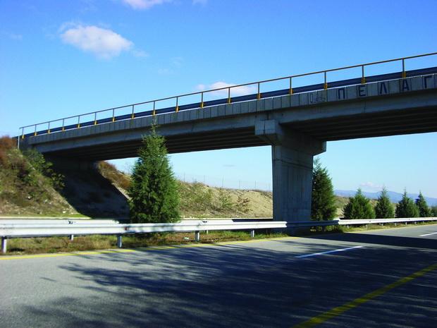 Подобрување на сеизмичките карактеристики на мостовите со користење на вискозни пригушувачи