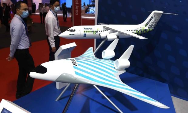 Авион на иднината: Губење време или нова реалност?