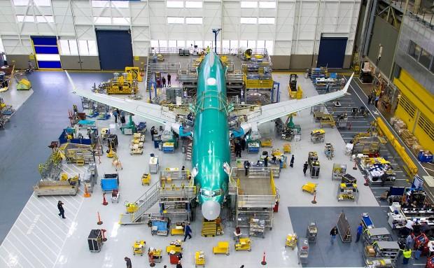 Boeing повторно започна со производство на авионот 737 макс
