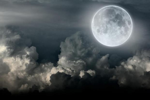 Русија не дозволува САД да ја приватизира Месечината