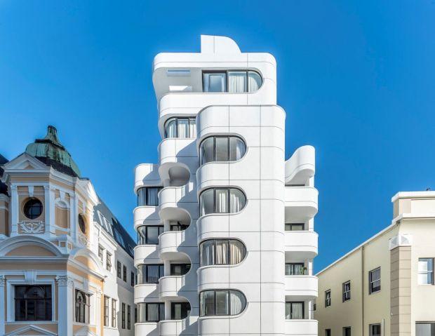 Станбена зграда која содржи ДНК на сите станари